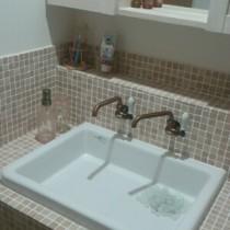 造作洗面台の完成!可愛い大理石タイルとブロンズ水栓で北欧風?!かわいい輸入水栓のご紹介も!