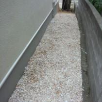 もう雑草はいらない!お庭に砂利を敷いて二度と生やさないやり方